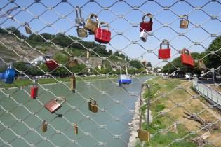 הגשר מעל נהר הזלצאך בזלצבורג