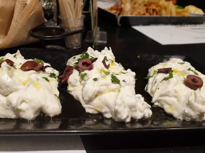 במסעדת Royal – Greek Souvlaki באתונה