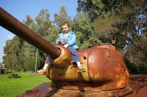 הטנק הסורי בסמוך לבית אוסישקין