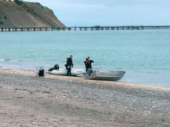 Divers getting ready at Rapid Bay