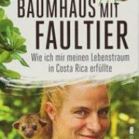 Baumhaus mit Faultier von Ina Knobloch