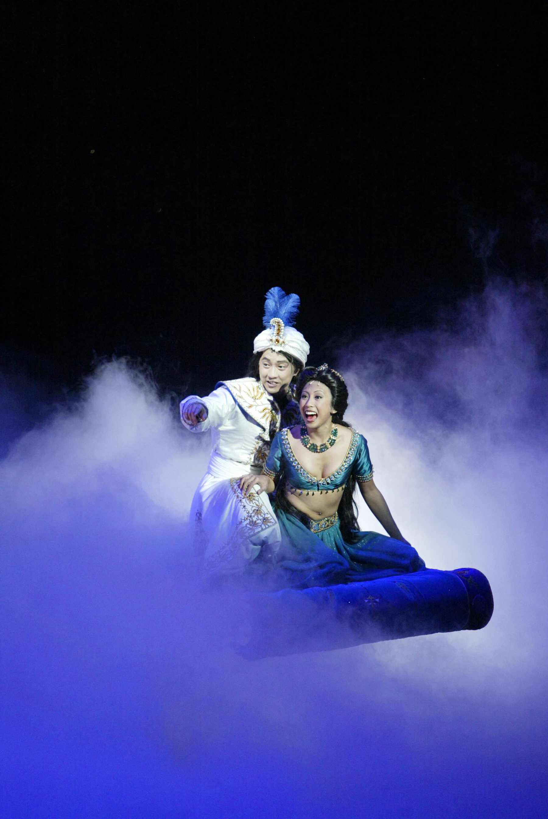 Aladdin Musical Fliegender Teppich Wie Dcl Unveils New Guest Experiences On The Disney Fantasy