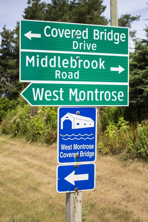 Street Signs to the West Montrose Kissing Bridge