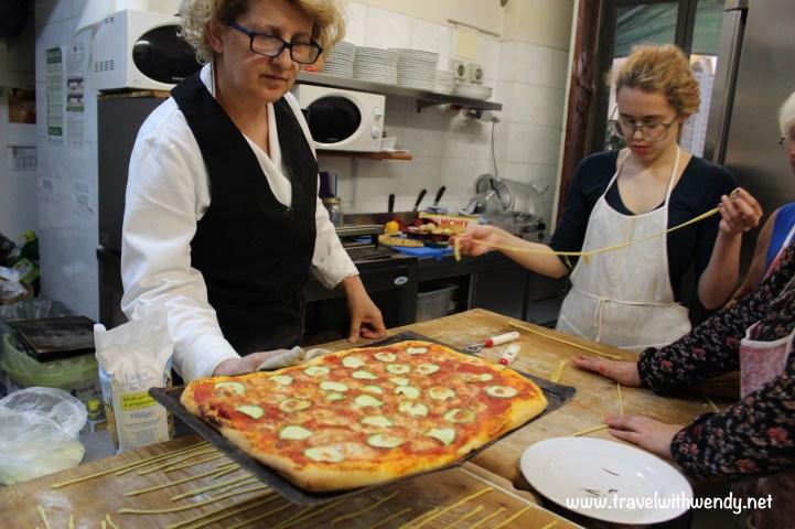 TWW - Pizza's done!