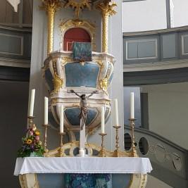 TWW- Kirche altar