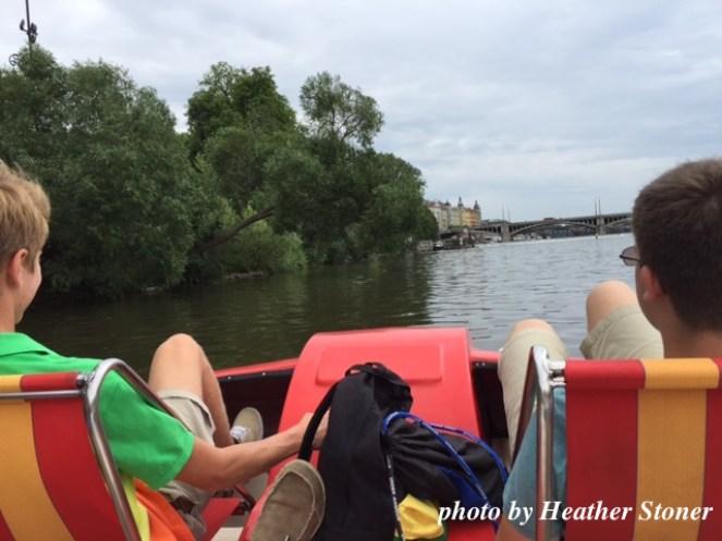 ©TravelwithWendy - paddle boats www.travelwithwendy.net