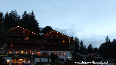 TWW - Sonnenhof at night
