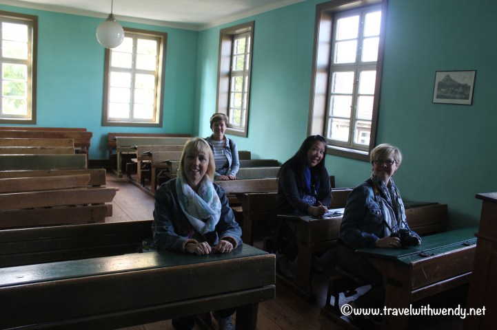 tww-silly-students-at-wackershof-www-travelwithwendy-net