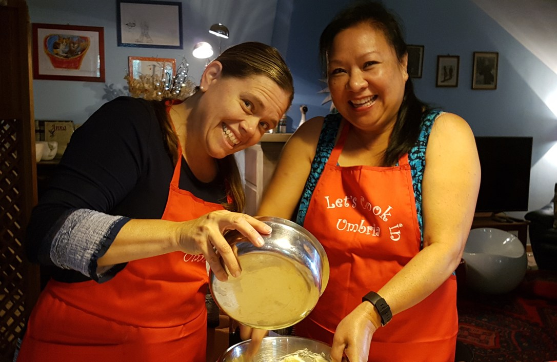 travel-with-wendy-cookin-in-italy-making-cake