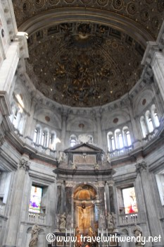 travel-with-wendy-cooking-in-italy-duomo-lake-como-ceiling