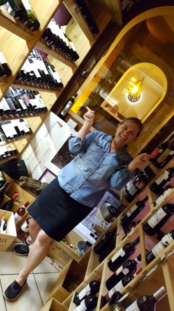 travel-with-wendy-cooking-in-umbria-la-cava-dei-sapori-wine-room