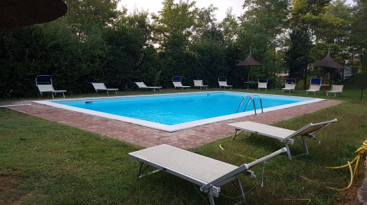 travel-with-wendy-views-of-the-pool-umbria