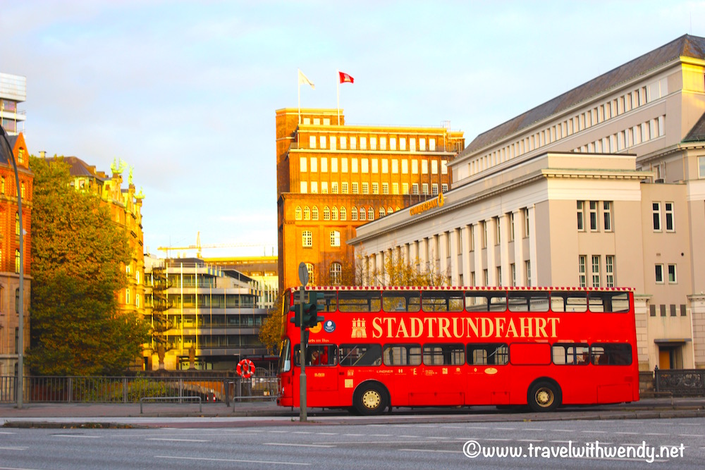 red-bus-tours-visit-hamburg