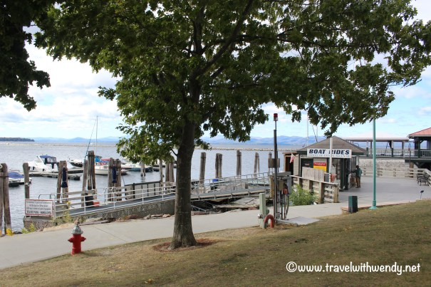 travel-with-wendy-boat-rentals-in-burlington-harbor-fall-in-love-with-vermont-www-travelwithwendy-net
