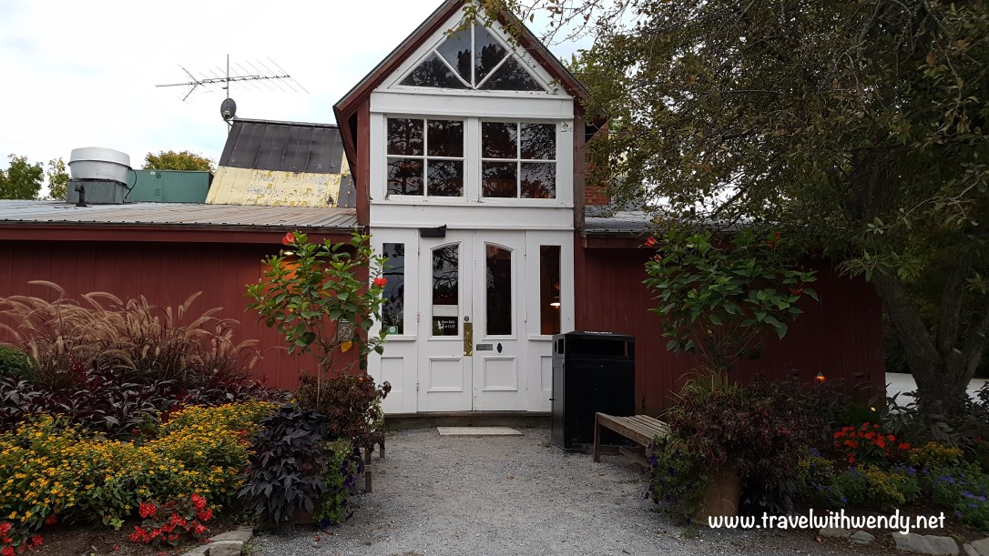 travel-with-wendy-red-mill-restaurant-at-basin-harbor-fall-in-love-with-vermont-www-travelwithwendy-net