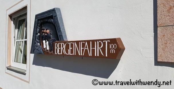 This way to the salzberg mountain