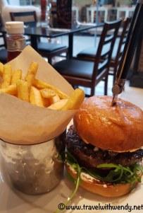 Gorgonzola Burger with FF