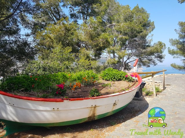 Great planter - boat in Tossa del Mar - Costa Brava