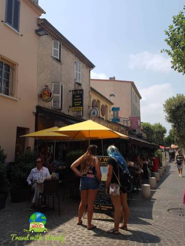 Cafes and market - Antibes - French Riviera