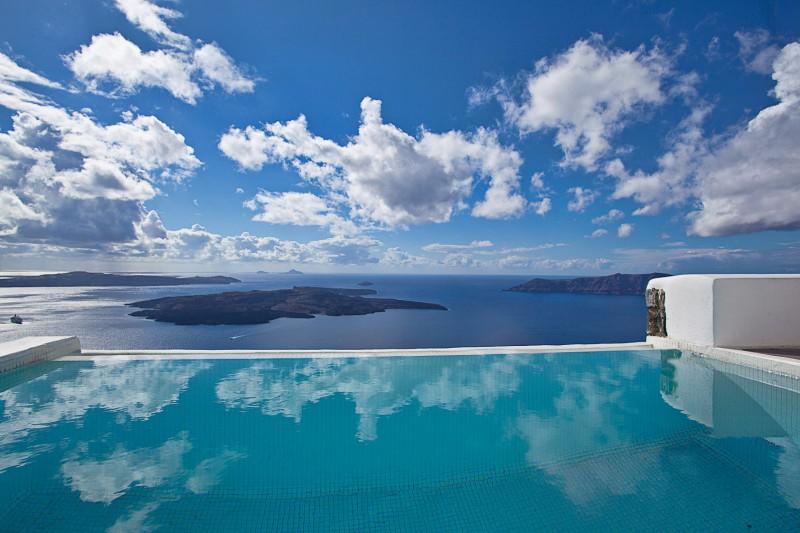 Aqua Vista Hotels Dreams Luxury Suites 001