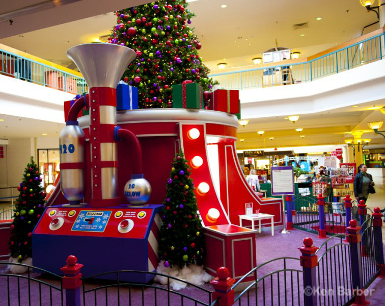 Woodbridge Mall Christmas Decoration photos
