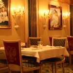 Norwegian-NCL-Jewel-Tsars-Main-Restaurant-TravelXena