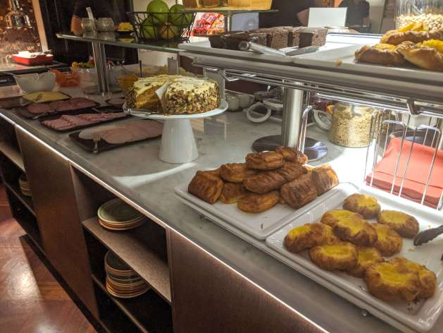 Guesthouse Keflavik breakfast