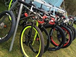 battle-on-the-beach-travers-bikes-lauf-forks