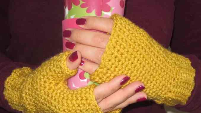 Easy Crochet Fingerless Gloves Pattern Free Crochet Fingerless