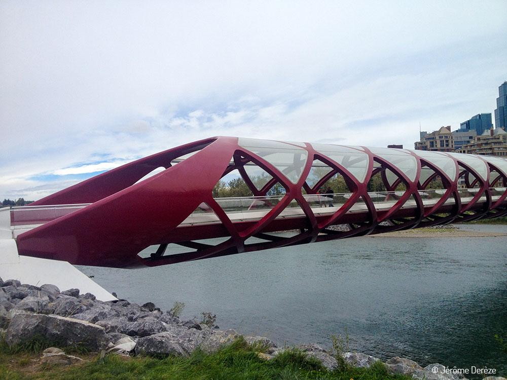 Voyager dans la ville de Calgary - Peace Bridge