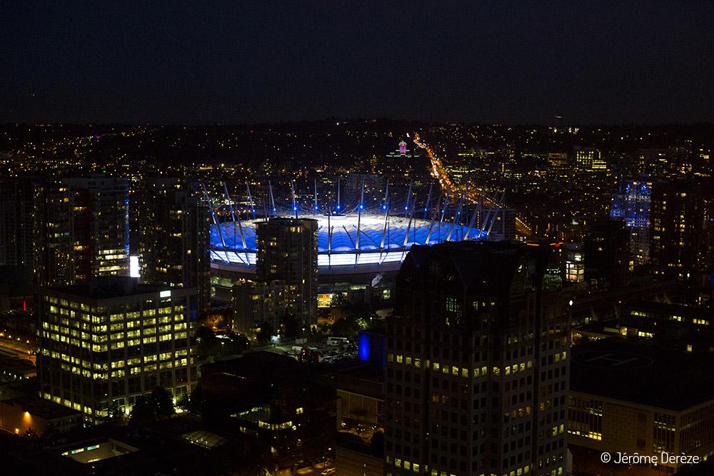 Tour Vancouver LookOut la nuit