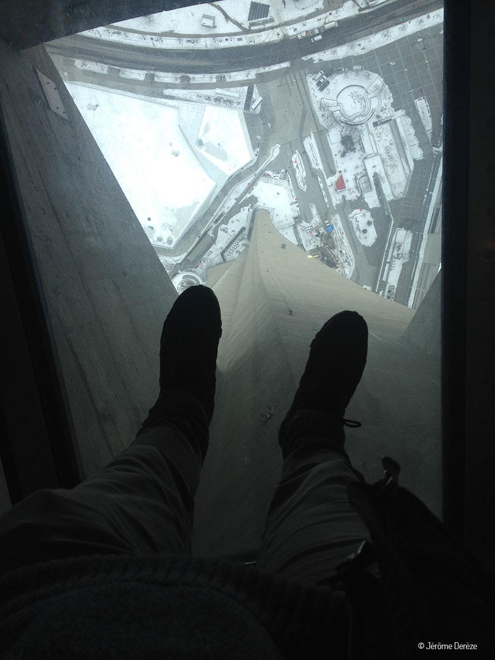 Vide au sommet de la tour CN