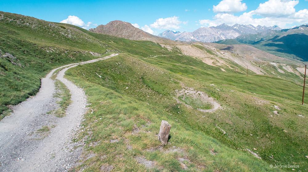 Activités à faire en été dans les Alpes - Vélo électrique en montagne et VTT