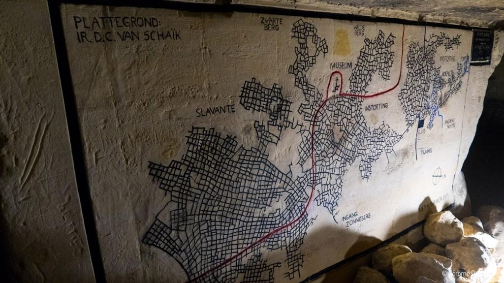 Fresques dans le souterrain de Maastricht