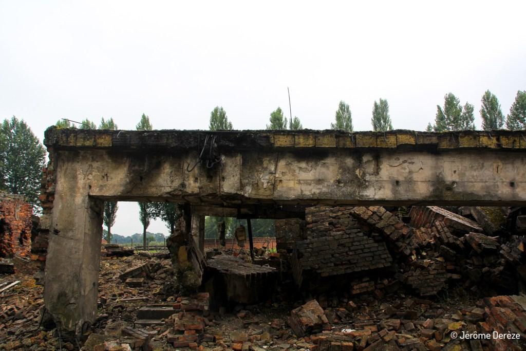 Bâtiment détruit par les Nazis à Auschwitz