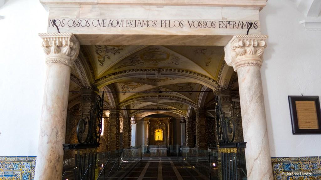 Visiter la Chapelle des os à Evora
