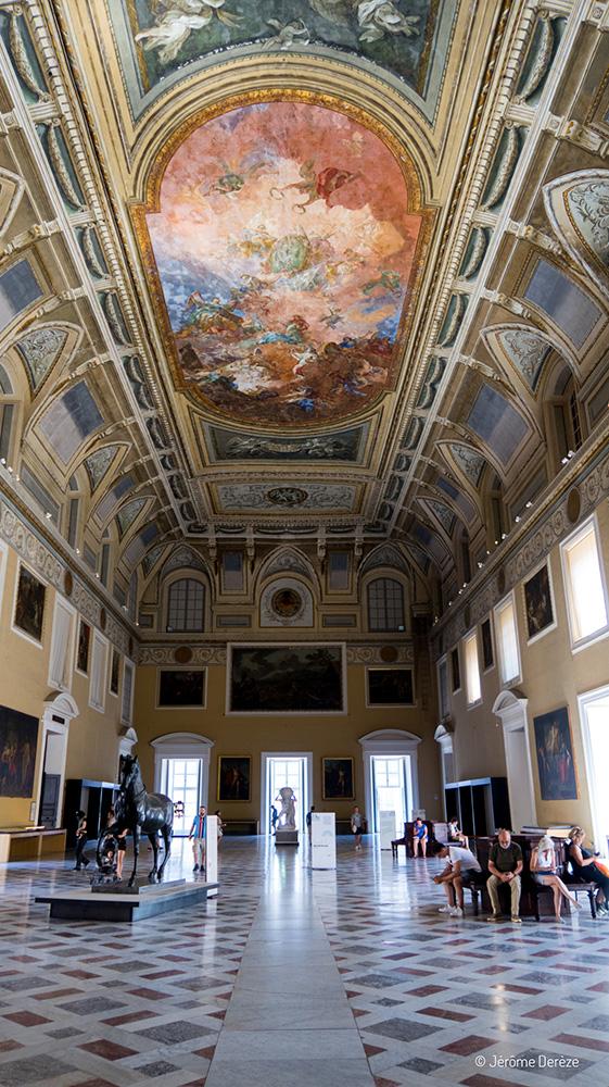 Grande salle du Musée archéologique national de Naples