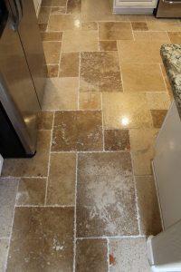 Travertine Tile With Dark Grout - Tile Design Ideas