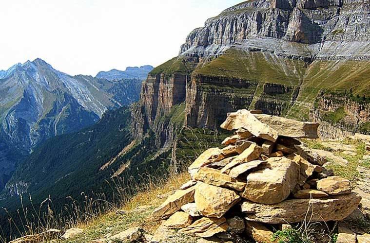 El parque nacional de ordesa y monte perdido traves a pirenaica - Apartamentos en ordesa y monte perdido ...