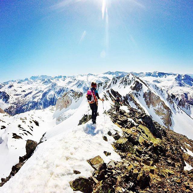 Pico Fenias, Huesca || by @igonecampos (Instagram) #travesiapirenaica #Pirineos #Pyrénées #Pyrenees