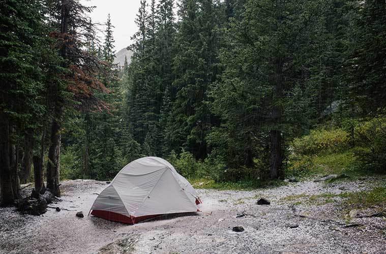 Equipo de campamento al aire libre que necesitarás para sobrevivir al clima invernal: qué debo tener en cuenta / Foto: Stephen Meszaros