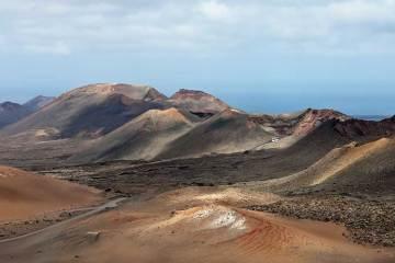 Excursión a las Montañas de Fuego/ Timanfaya en la isla de Lanzarote / Foto: Luis Miguel Bugallo Sánchez (Lmbuga) (vía Wikimedia Commons)