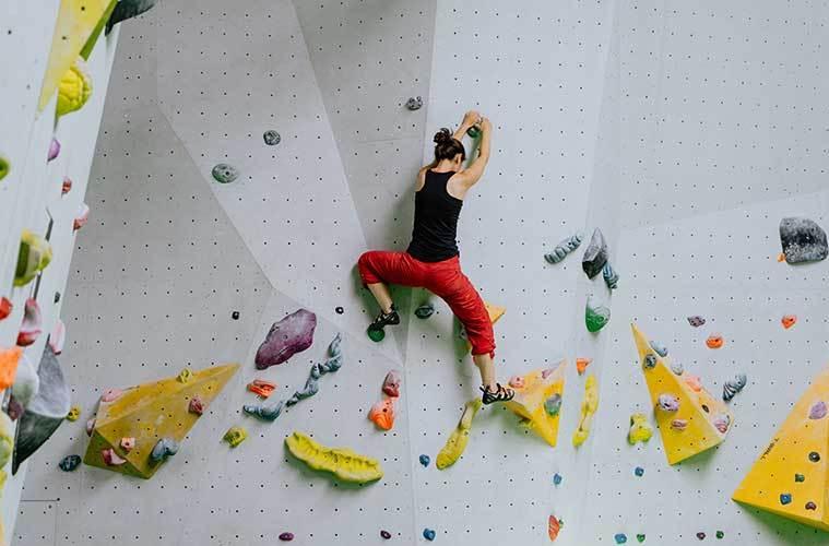 Por qué debes incluir el entrenamiento de fuerza en tu rutina de entrenamientos para escalada / Foto: Kevin Mccutcheon