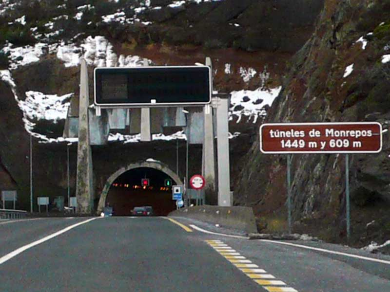 Tunel Monrepos / Foto: FDV (Wikimedia Commons)
