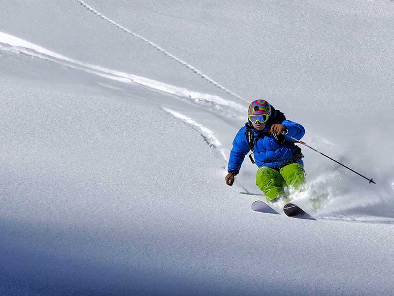 Cómo esquiar en nieve virgen / Foto: Mauro Paillex