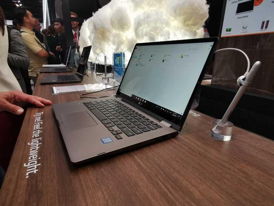 REVIEWED: LG Gram 17Z990 Ultra-Lightweight Laptop - Travgear com