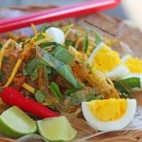 Street Food: Banh Trang Tron -  Rice Paper Salad