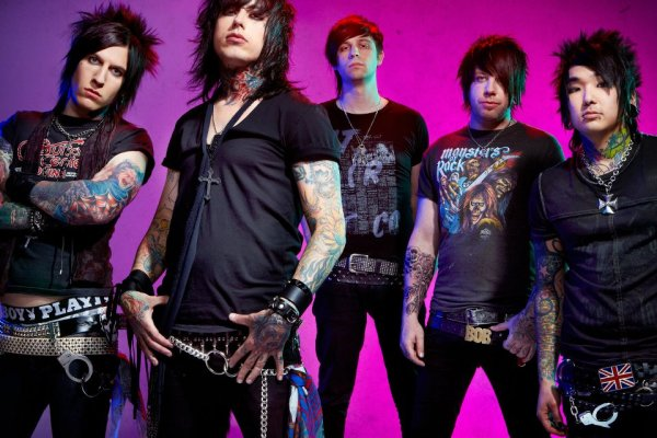 Ronnie Radke Kicks I See Stars Off Their Tour