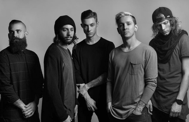 The Word Alive's Telle Smith Breaks Back And Rib At California Show