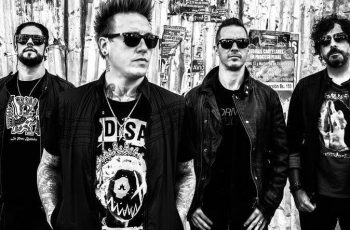 """Papa Roach Reveal Live Video For New Song """"Crooked Teeth"""""""